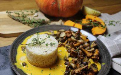 Reis mit Hokkaido-Kürbissauce und Pilz-Kräuter-Gemüse von Carmen Mans